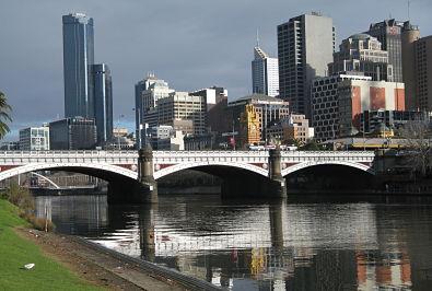 Melbourne___Yarra_2009_opt.jpg