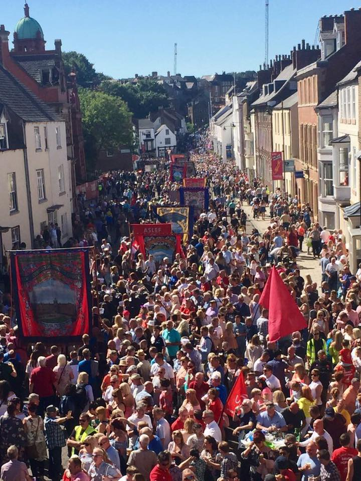 gala_elvet_crowd.jpg
