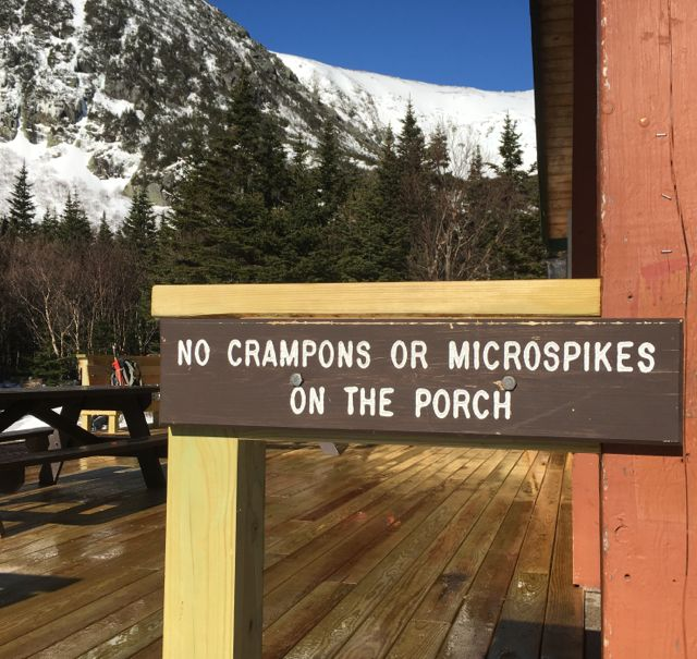 No_crampons_on_deck.jpg