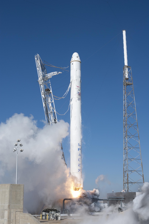 Falcon_9_COTS_Demo_F1_Launch.jpg