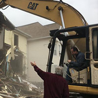 Bridgeport Continues Demolition Of Blighted Properties, With Mayor Ganim At The Wheel (With Video)