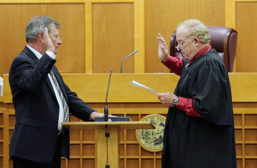 Elected_Official_receiving_administered_oath.jpg
