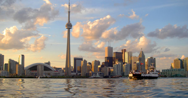 Skyline_of_Toronto_viewed_from_Harbour.jpg