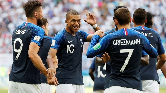 https://www.indiatoday.in/sports/fifa-world-cup-2018/story/world-cup-2018-french-hero-kylian-mbappe-flattered-with-pele-comparisons-1274226-2018-06-30