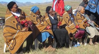 Lesotho_-_blanket_recipients_Apr_2015.jpg