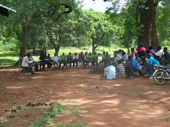 Mazambique_-_Community_Meeting_1.jpg