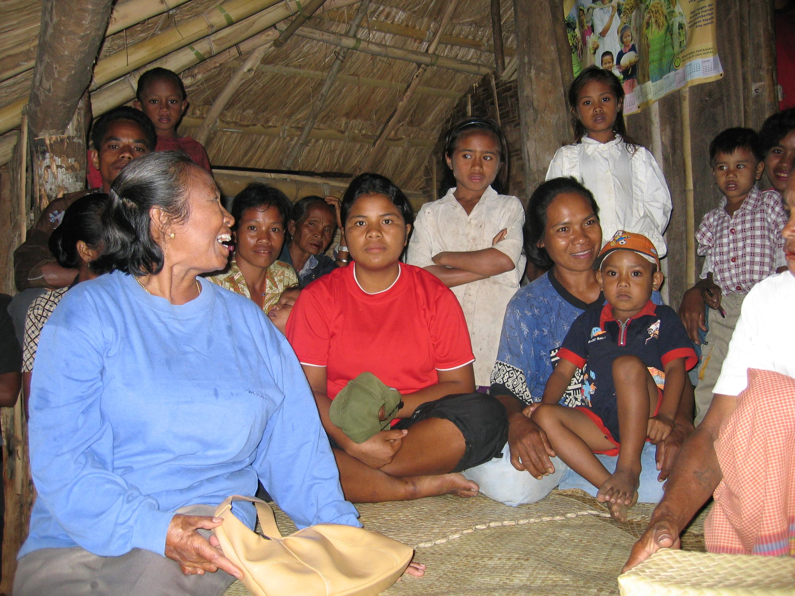 ETimor-Indonesia-11-04_040.jpg