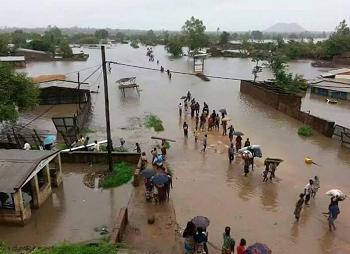 Frees_Jan_2016_-_MZ-Flooding-people-2015.png