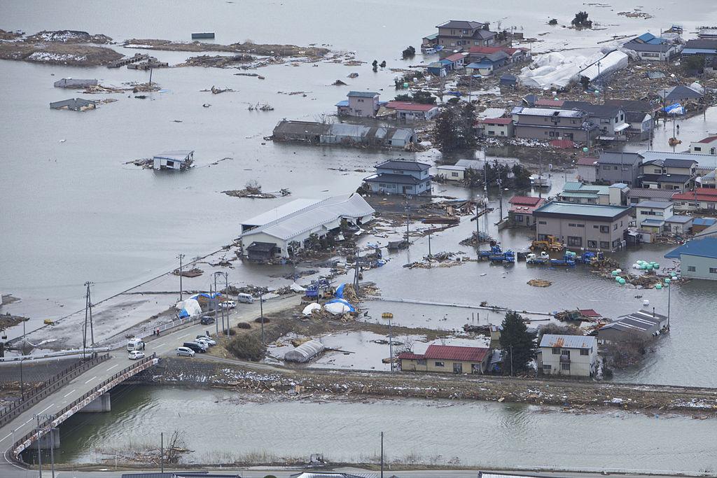 1024px-Japan_Tsunami.jpg