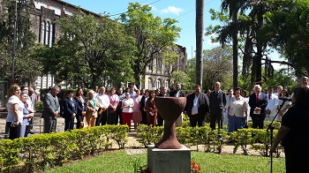 Paraguay_-_DEVELAR_ESCULTURA_COPA_LOGO_DISCIPULOS_DE_CRISTO.jpg