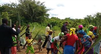 Mozambique_-_Frees_Spr_2017_Palm_Sunday_in_GoiGoi_2016.jpg