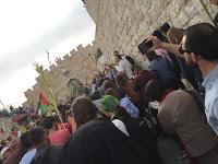 Christians_in_Jerusalem_2.jpg
