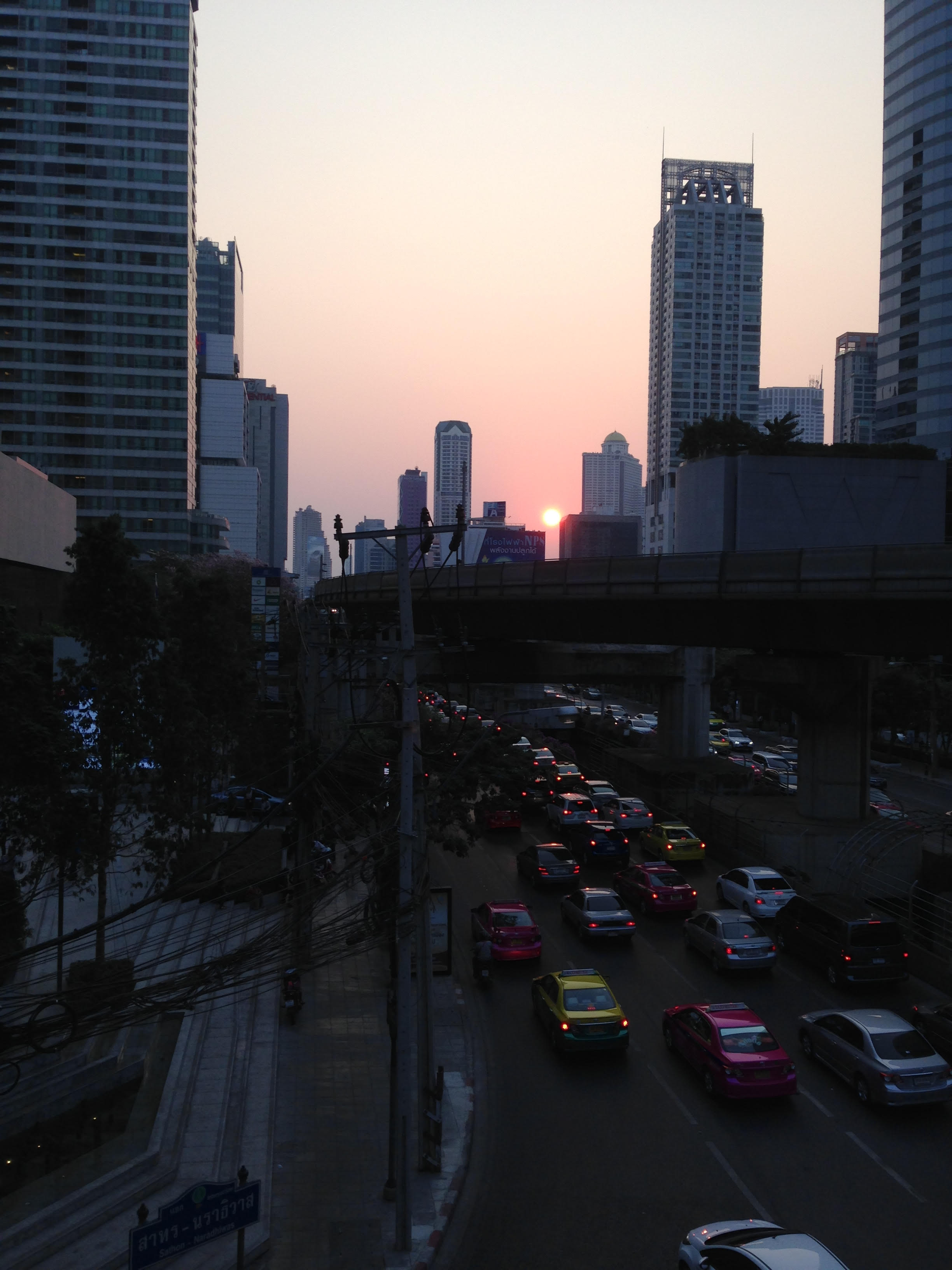 Yannawa__Bangkok__traffic_-_03-12-15.jpeg