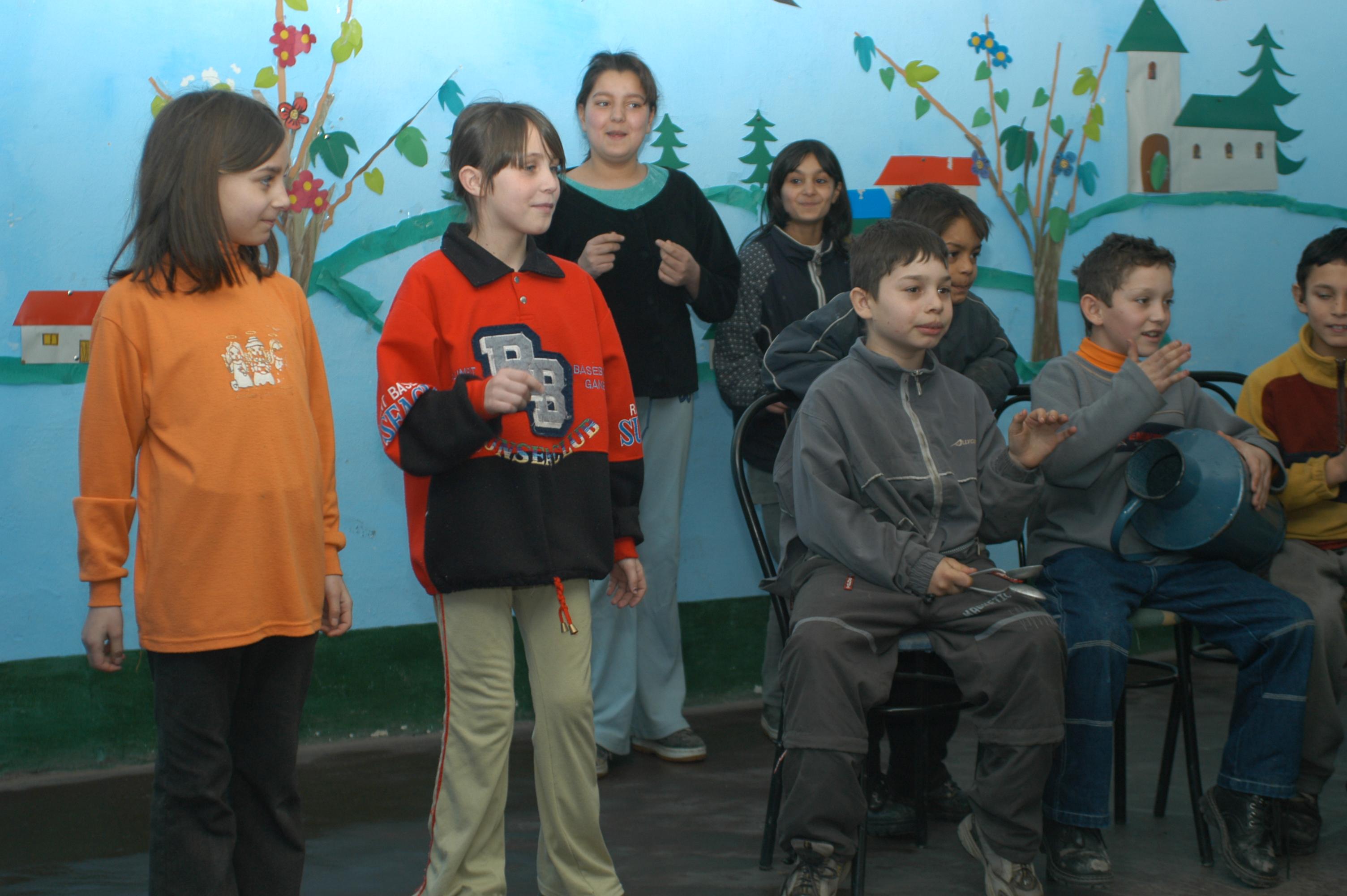 Hungary_2004_Evan_Golder_11.JPG