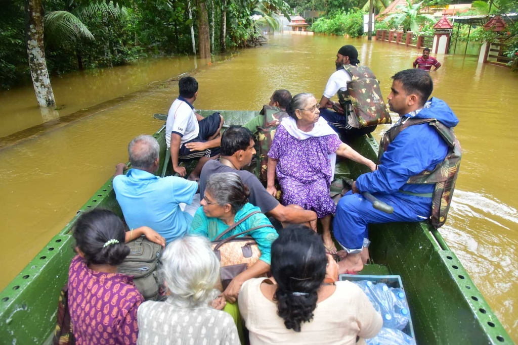 main_5757CSI_Madhya_Kerala_Flood_Relief_18.8.2018_1.jpg