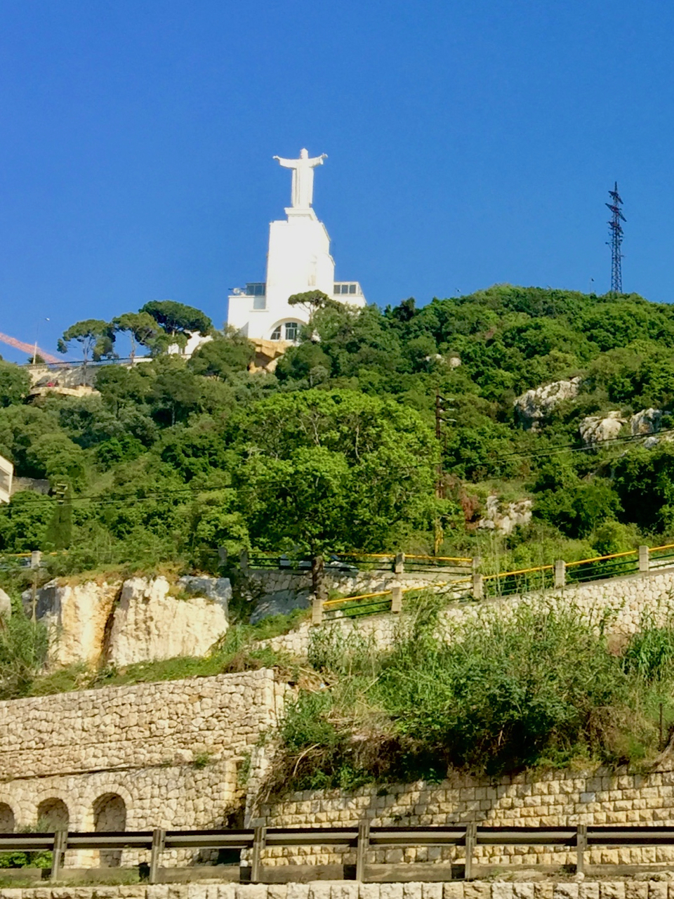 Lebanon_Maria_Bakalian_Christ_the_King_Statue.jpeg