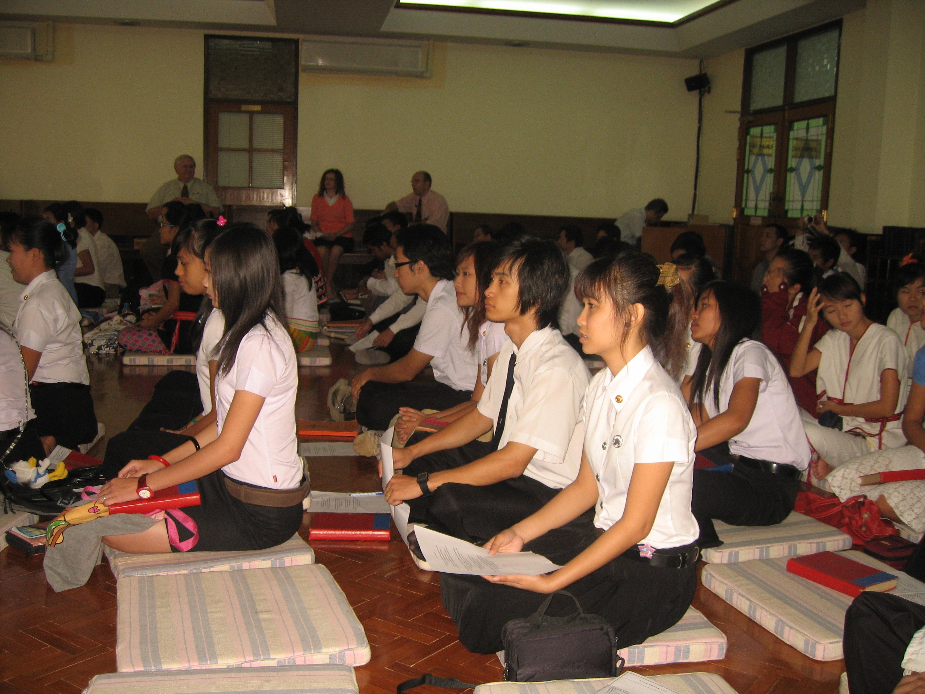 Thailand_Chapel_Service_at_McGilvary_College_of_Divinity.JPG