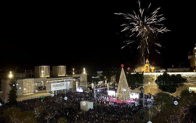 Christmas_tree_lighting_in_Bethlehem_Majdi_Mohammed.jpg