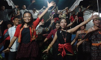 Indonesia-Campbell-Nelson-Fall-2014-pic7.jpg
