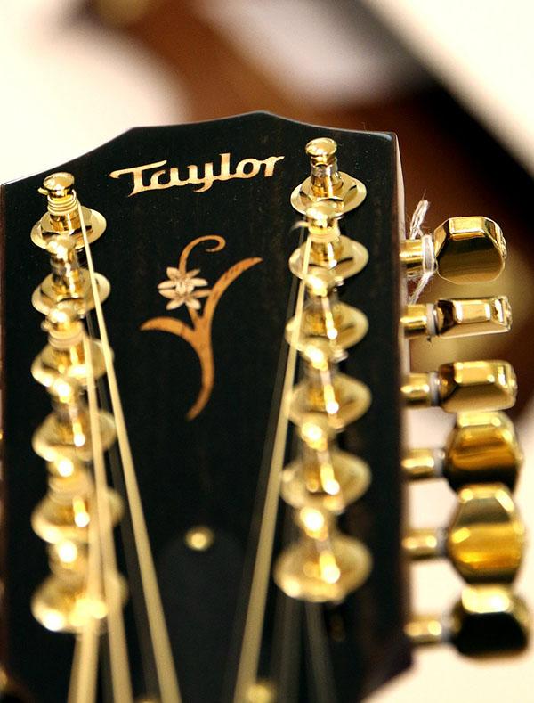 Taylor_12-string_headstock_600px.jpg