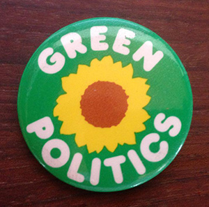 Green-Politics-button-300.jpg