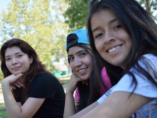 UniCamp_threegirls.jpg