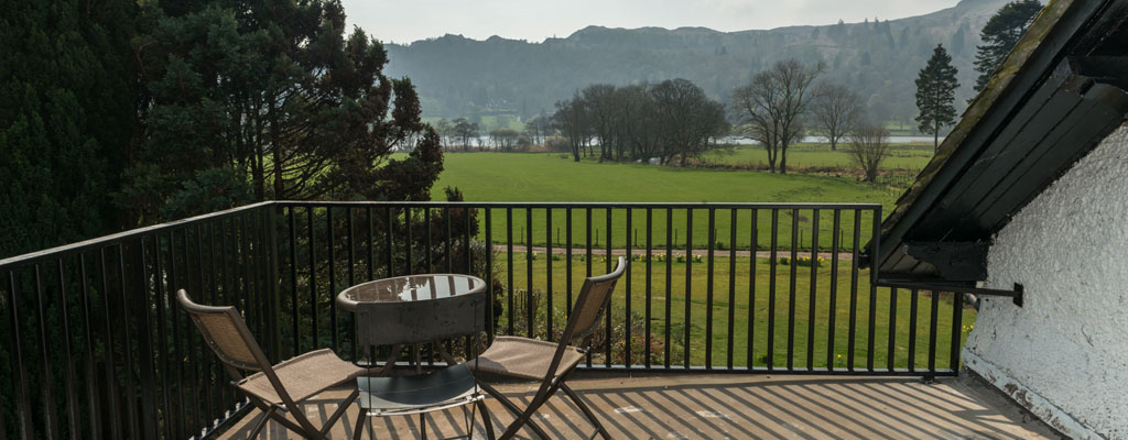 grasmere_lake_view_country_house_terrace.jpg