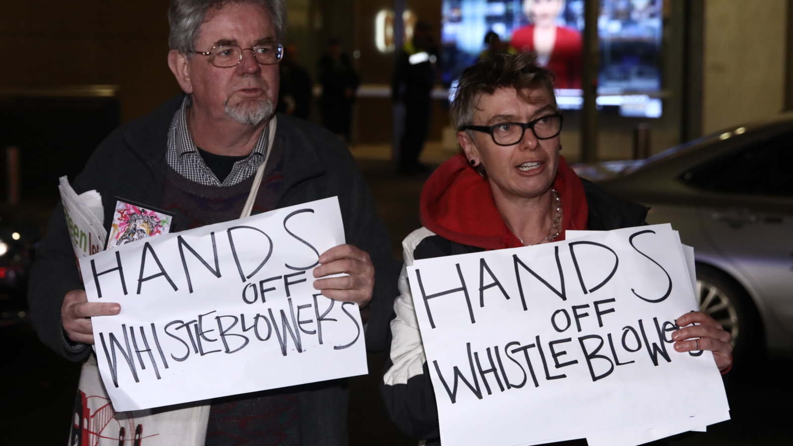 protesters at the ABC in Sydney during the AFP raid - Dominic Lorrimer