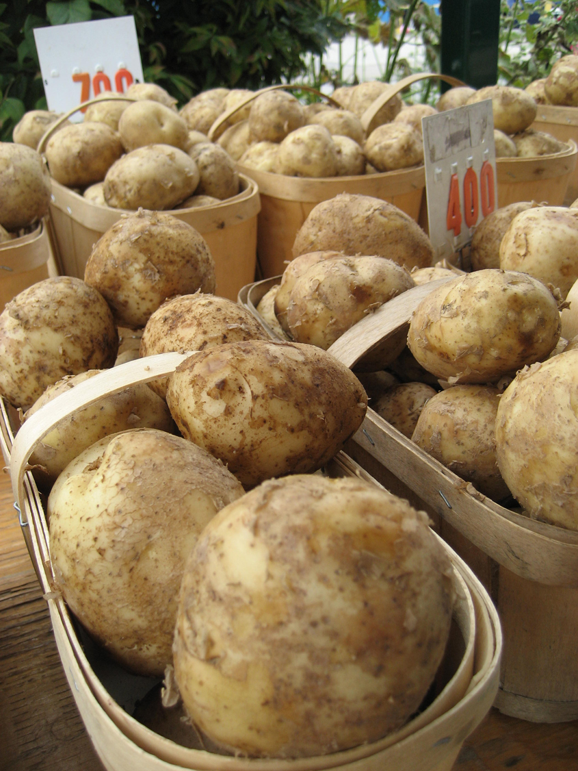 Potatoes_Up_Close_in_Wood_Baskets.jpg