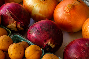 Photo - White and Red Onions