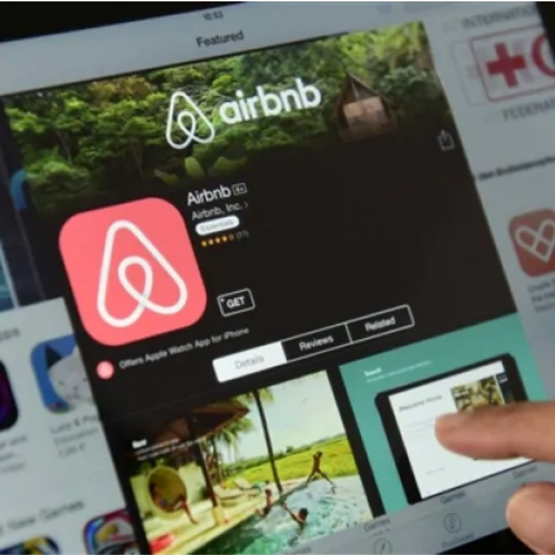 Airbnb_(1).png