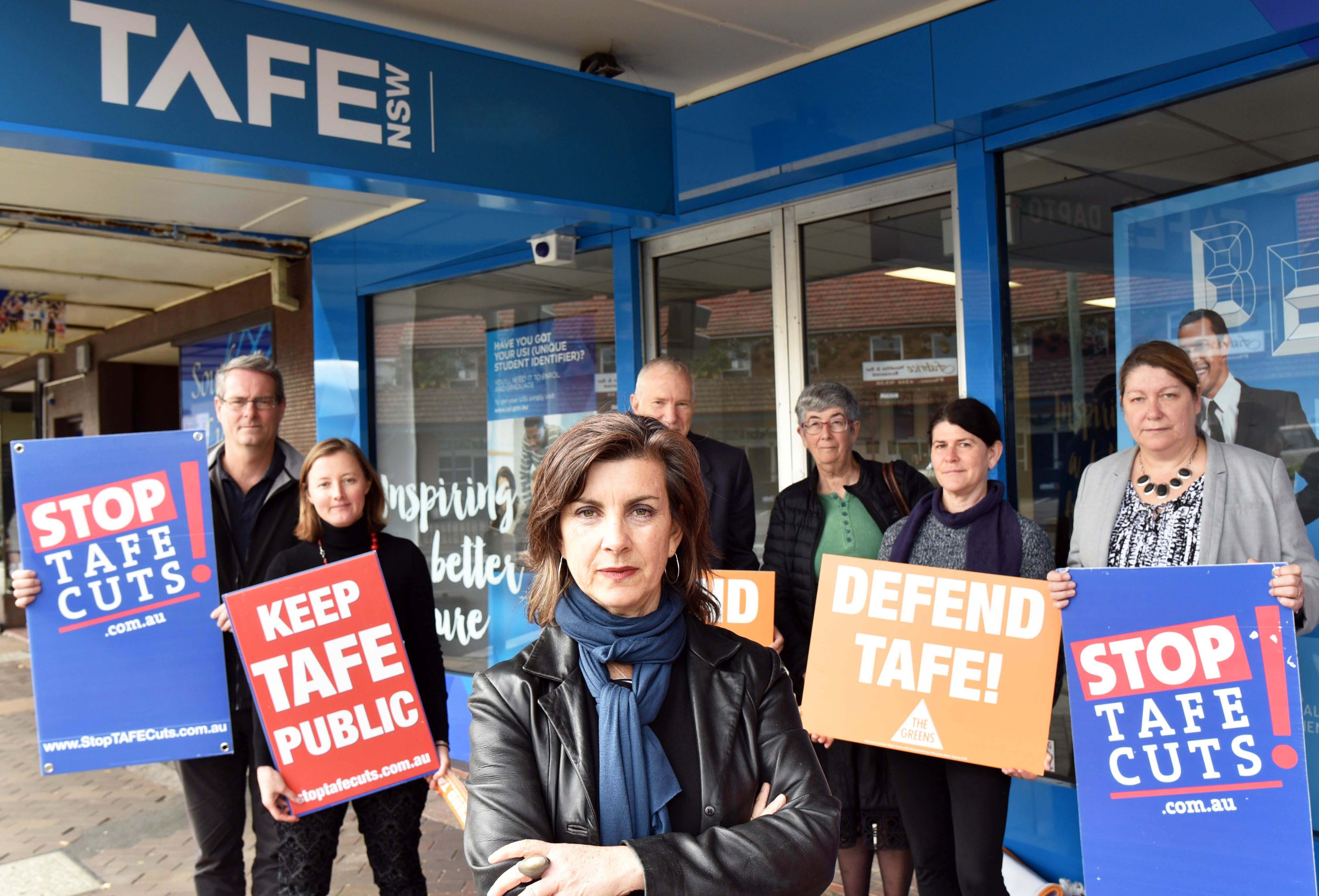 Defend_TAFE_dawn_walker_mlc.jpg