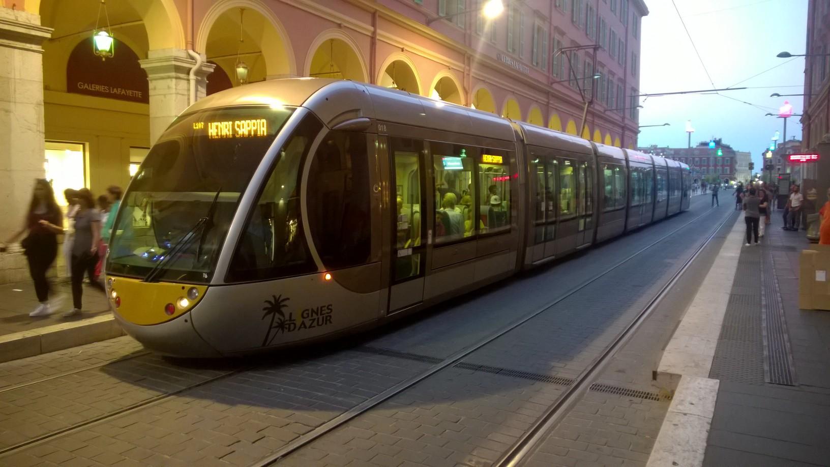 LRT_in_Nice.jpg