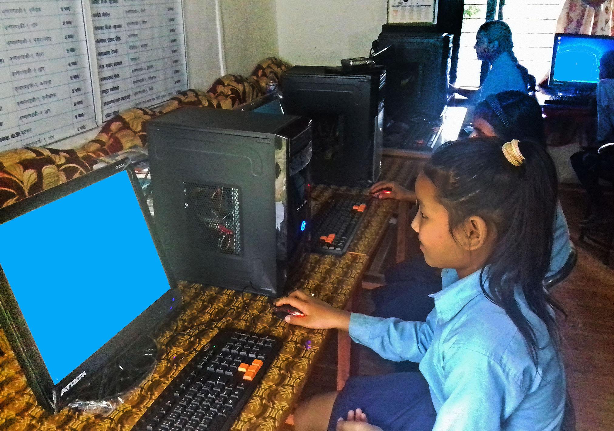 111E_SyangjaSchoolComputers1.jpg
