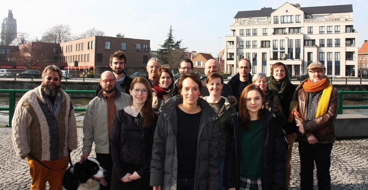<h2>Oudenaarde</h2><div>Elisabeth is gek op haar stad Oudenaarde en op de Vlaamse Ardennen. Samen met de lokale Groen afdeling werkt ze aan een menselijker, gezonder en eerlijker Oudenaarde.</div>
