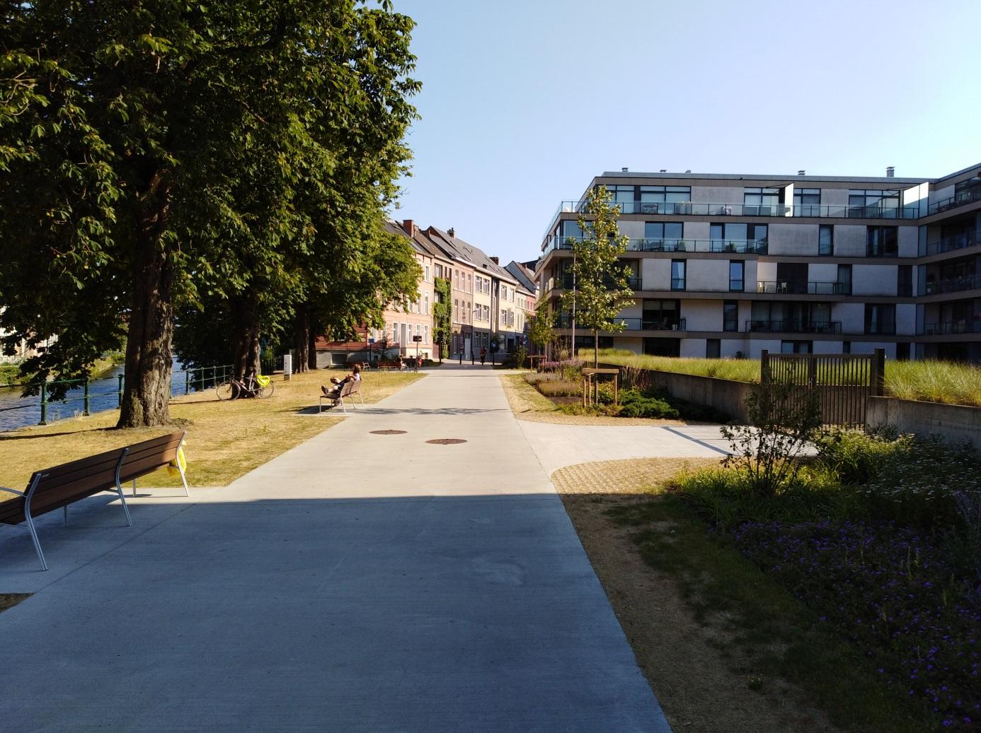 <h2>Koepoortkaai</h2><div>De Koepoortkaai werd omgetoverd van een grijze kassei- en asfaltvlakte tot een groene fiets- en wandelas.</div>