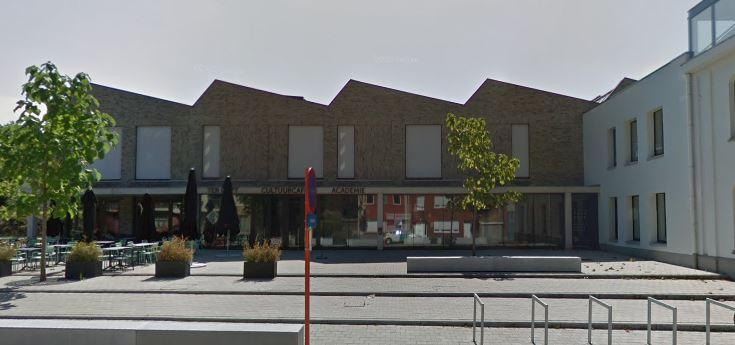 De gemeenteraad vergadert elke 2de dinsdag van de maand. Tijdens de coronamaatregelen wordt de raad niet voor toeschouwers opengesteld.