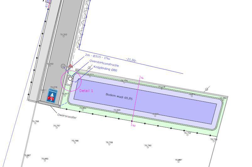 detail_parking.JPG