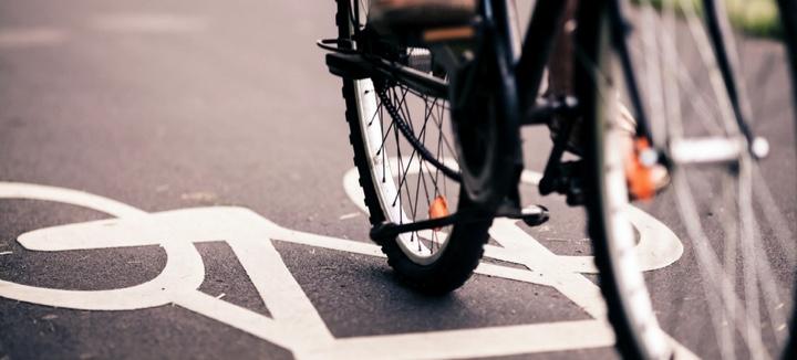 <h2>Mobiliteit</h2><div>In de dorpskernen moet de zwakke weggebruiker centraal staan. Zowel binnen als buiten de dorpskernen moet voldoende aandacht gaan naar infrastructuur voor fietsers en maatregelen om het verkeer af te remmen.</div>
