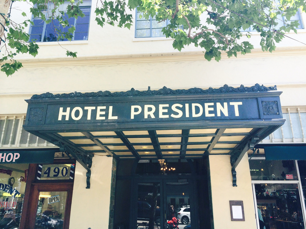 The Hotel President, one of the only buildings with studio apartments in Palo Alto