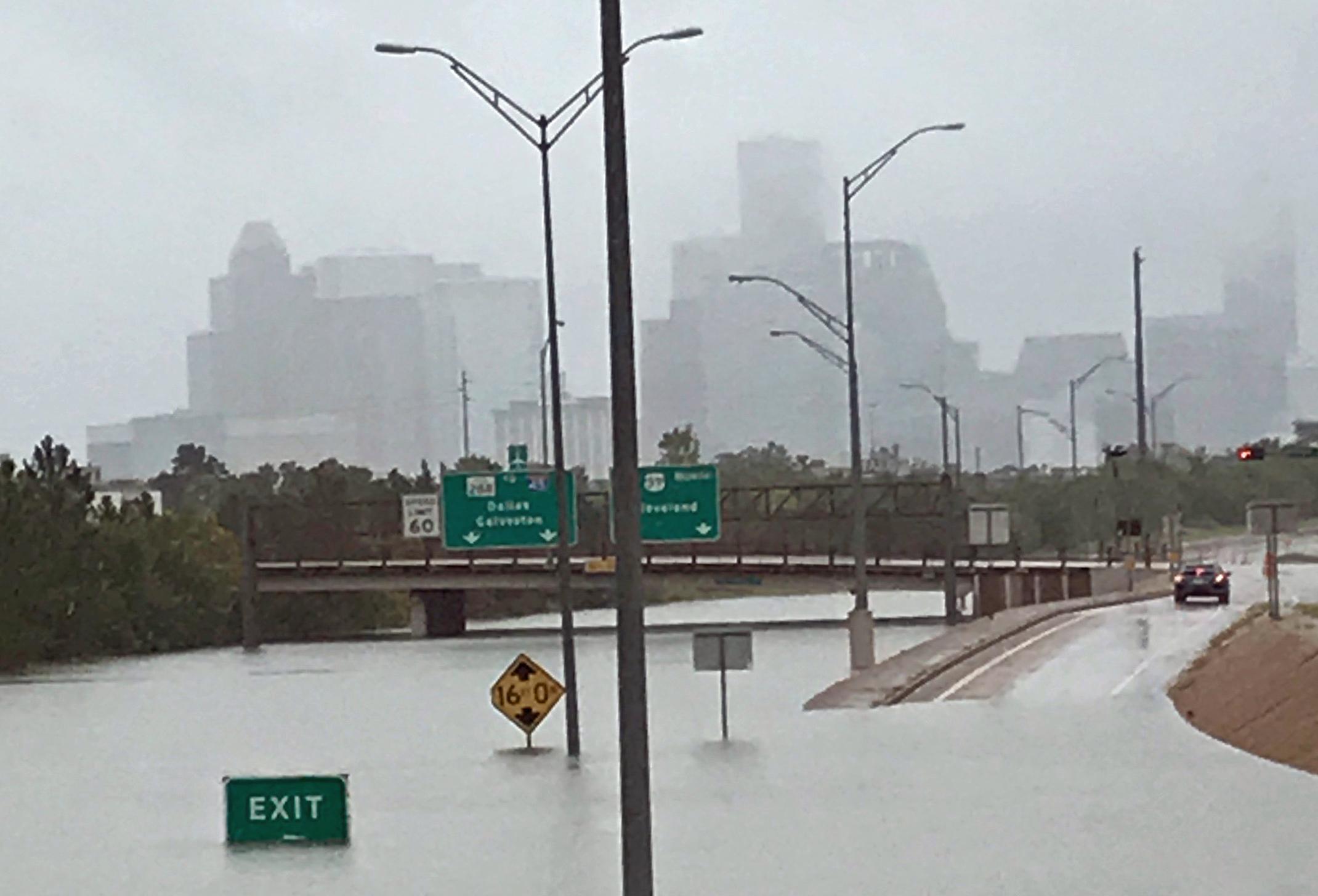 Flooded_Highway_Exits.jpg