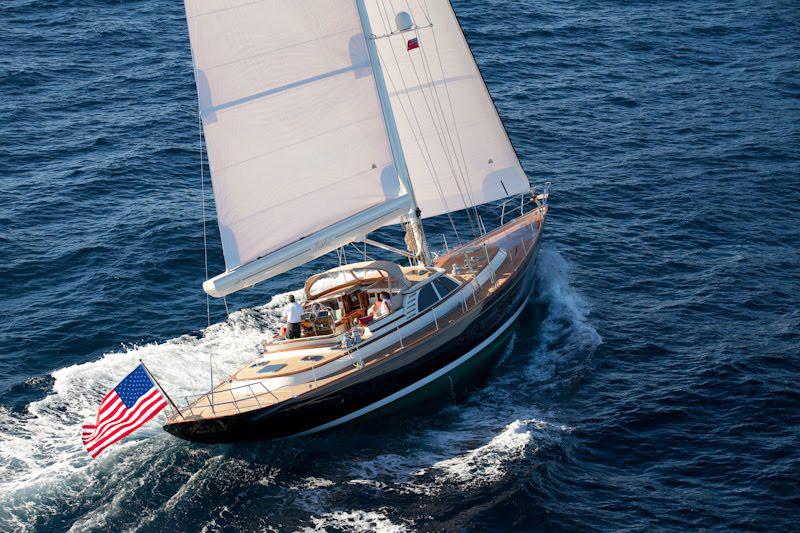 Senator-John-Kerrys-Yacht-Isabel-1.jpg