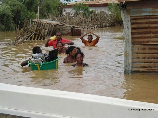 c_Handicap-International_MadagascarCyclonePeople.jpg