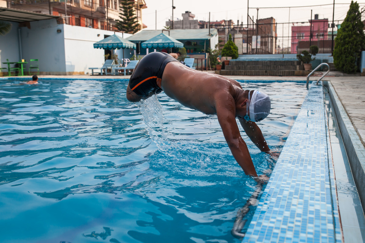 c_Lucas-Veuve_Handicap-International__Ramesh_in_a_swimming_pool_in_Nepal.jpg