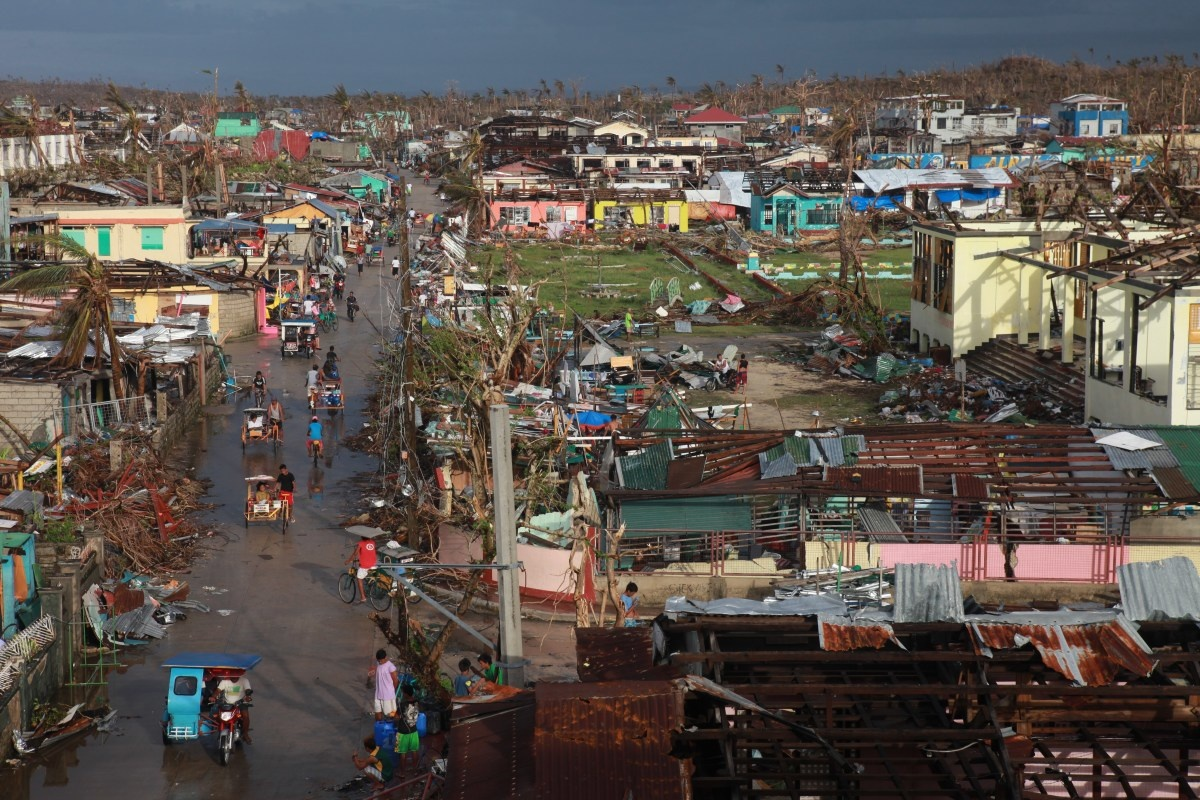 c_Brice-Blondel_Handicap-International__Philippines_after_Typhoon_Haiyan.JPEG