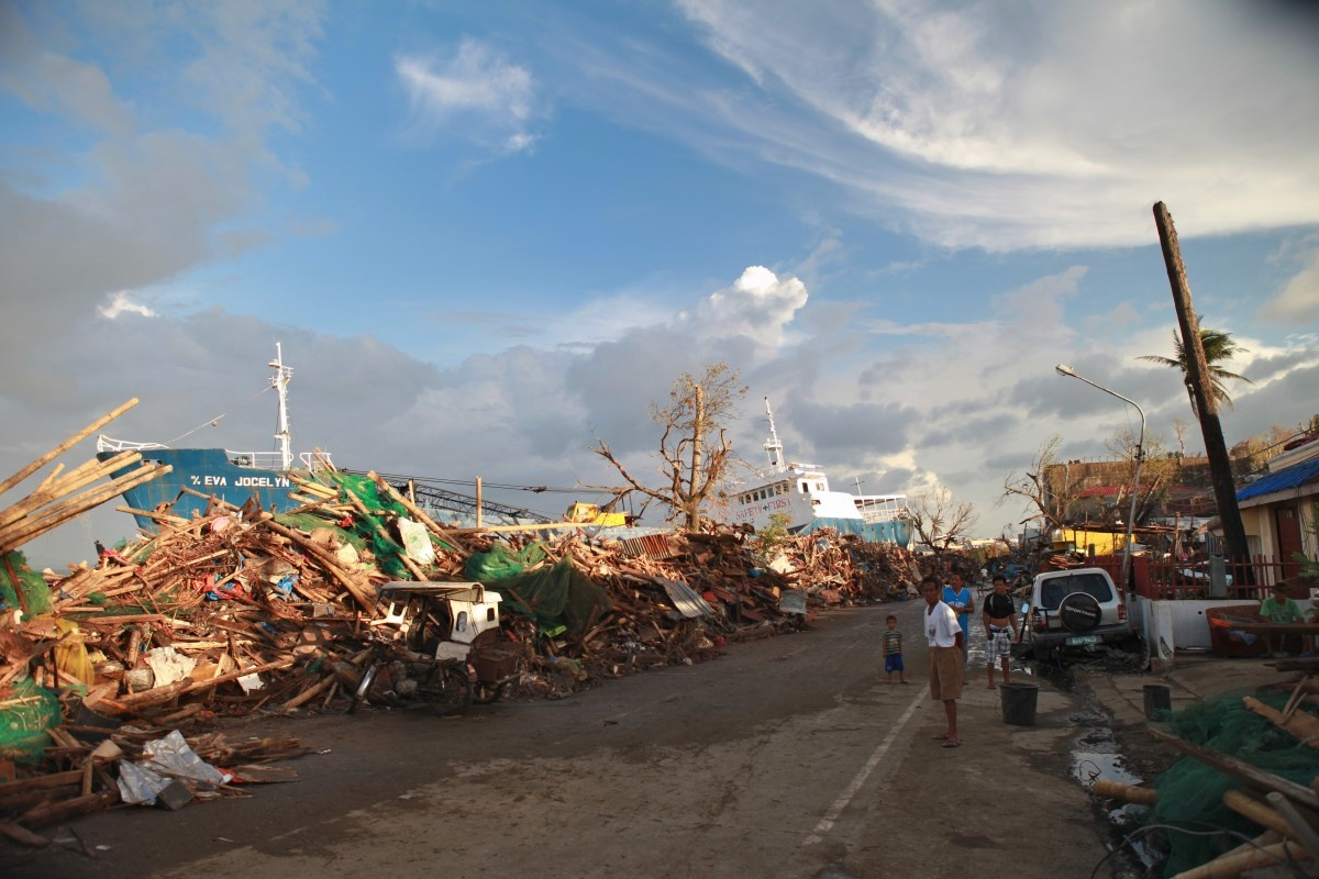 c_Brice-Blondel_Handicap-International__The_town_of_Tacloban_after_Typhoon_Haiyan.JPEG