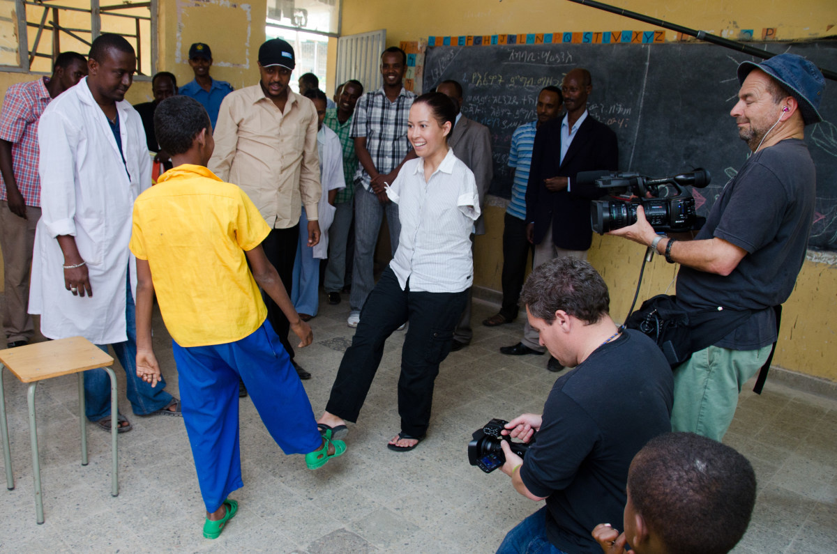 c_Molly-Feltner_Handicap-International__Jessica_Cox_filming_for_Right_Footed_in_Ethiopia.JPEG