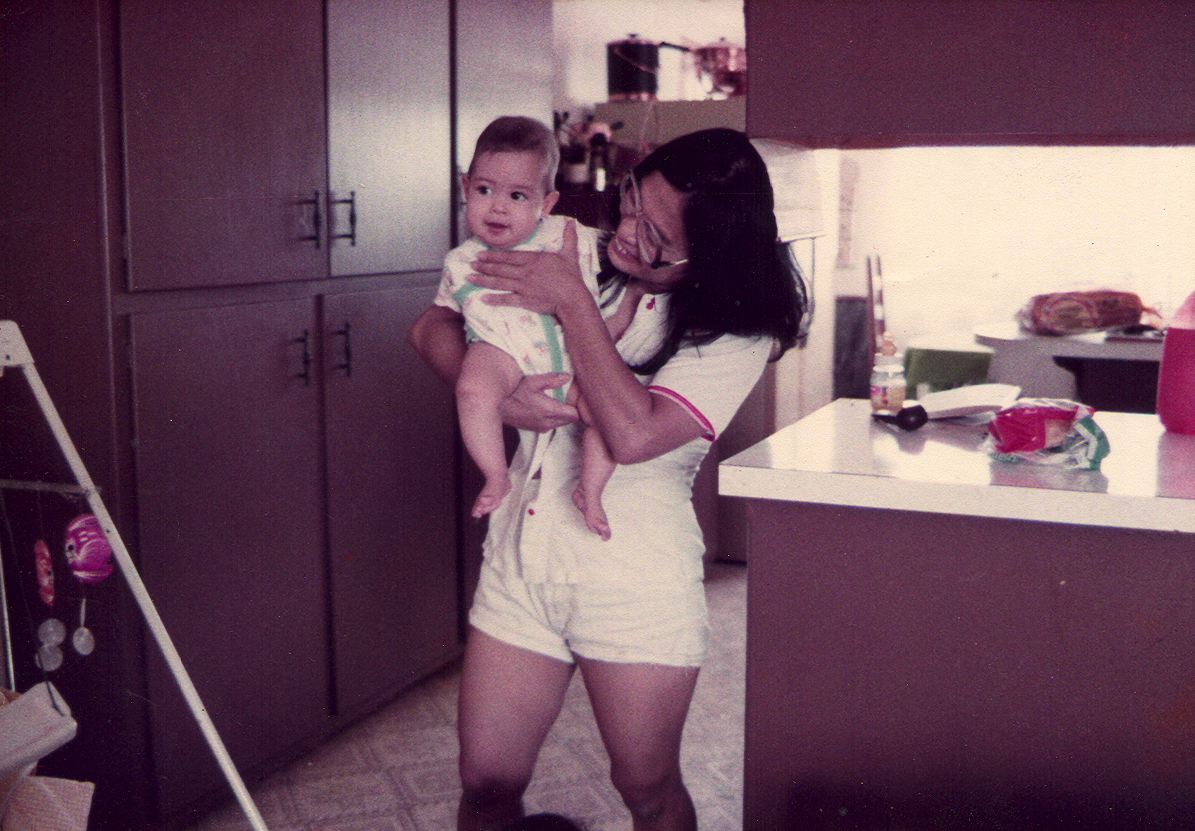 c_William-Cox__Jessica_Cox_as_a_baby_with_her_mother.jpg