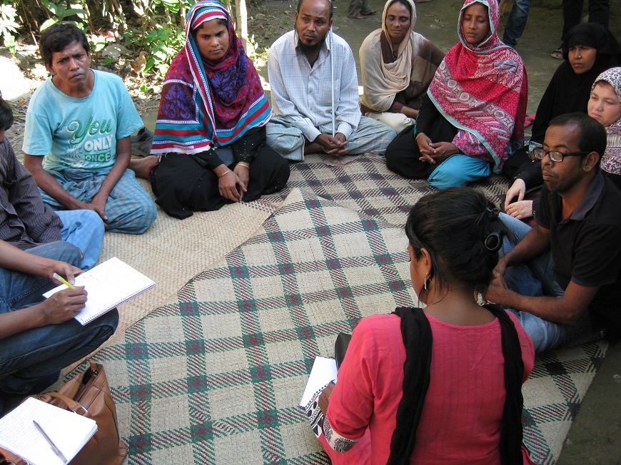 c_Angela-Kohama_Handicap-International__A_group_of_people_meet_in_Bangladesh_to_discuss_the_rights_of_people_wtih_disabiltieis.jpg