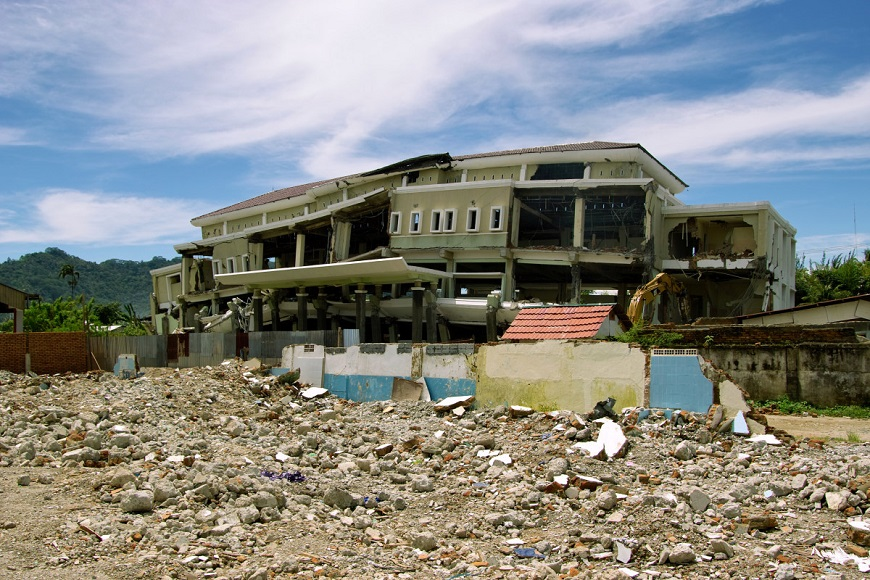 c_Benoit-Darrieux_Handicap-International__A_flattened_building_from_a_previous_earthquake_in_Indonesia.jpg
